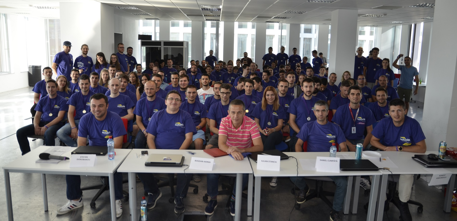 eMAG_echipa_Hackathon2016
